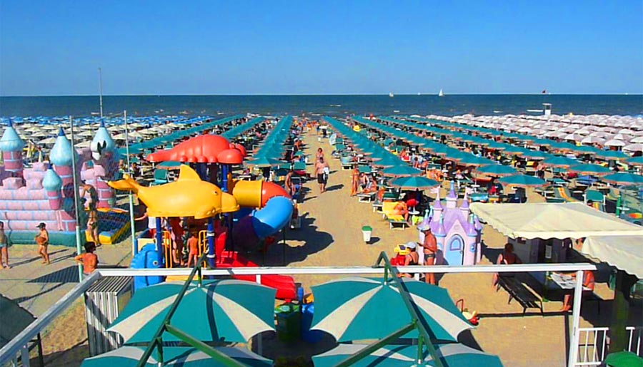 Want to go to italy with small children italian cork - Bagno palm beach pinarella ...