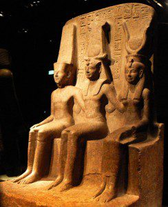 Triad_of_Ramesses_II_with_Amun_and_Mut